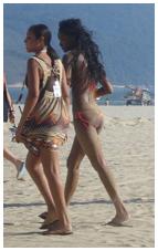 Garotas na praia de Santos